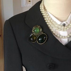 Jewelry - 🌟6/$25🌟 📂Beautiful vintage cabochon brooch